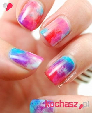 Nail art multicolor- co to takiego?